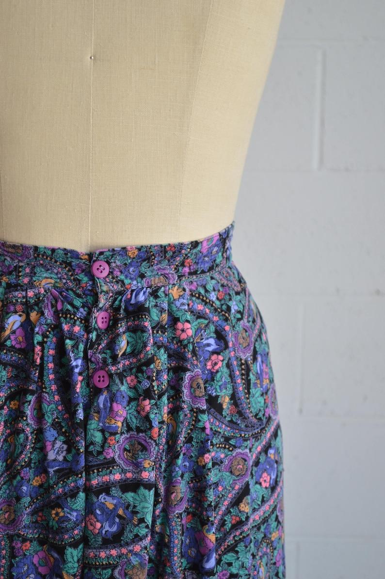 1980s purple floral skirt \u00b7 knee length ditsy print skirt \u00b7 side pocket abstract print skirt \u00b7 casual fun bright high waisted skirt \u00b7 medium