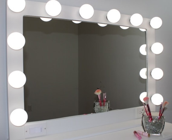 Xl 40 X 28 Hollywood Style Lighted Vanity Makeup Mirror Etsy