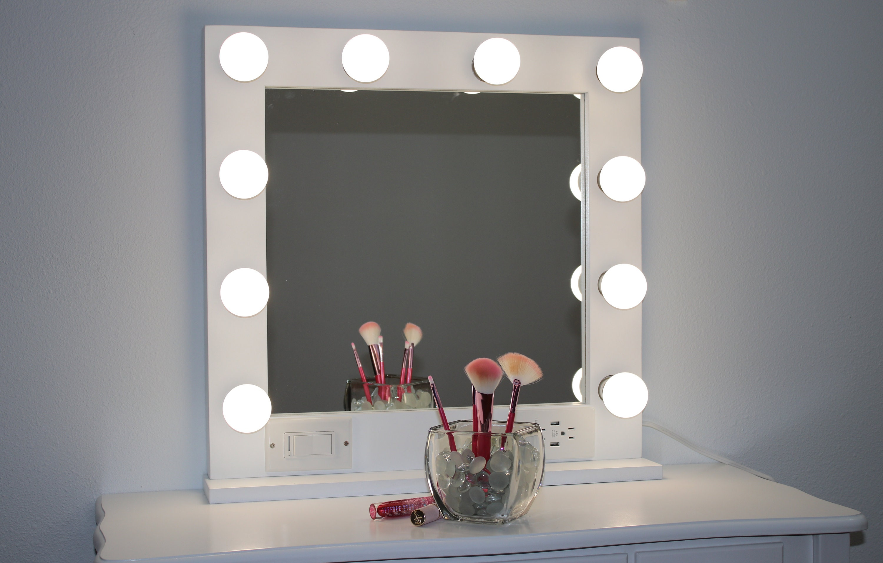 White 24 X 24 Hollywood Style Lighted Vanity Makeup Mirror
