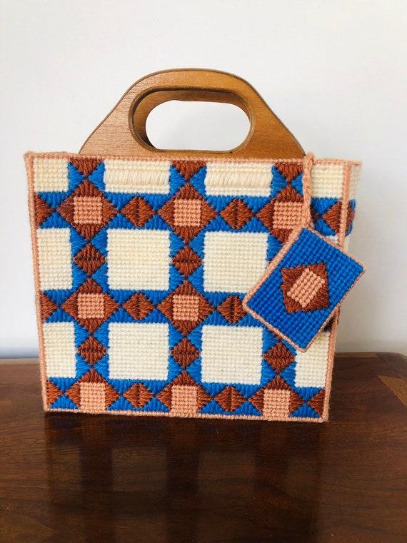 Vintage macrame - 70s purse bag crochet yarn