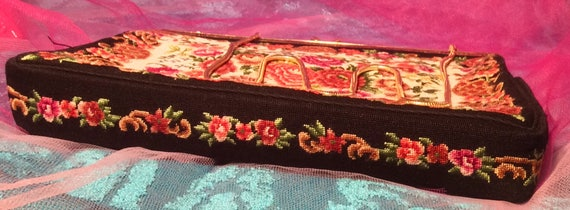 Dramatic Carpet Bag Fabric Purse - image 5