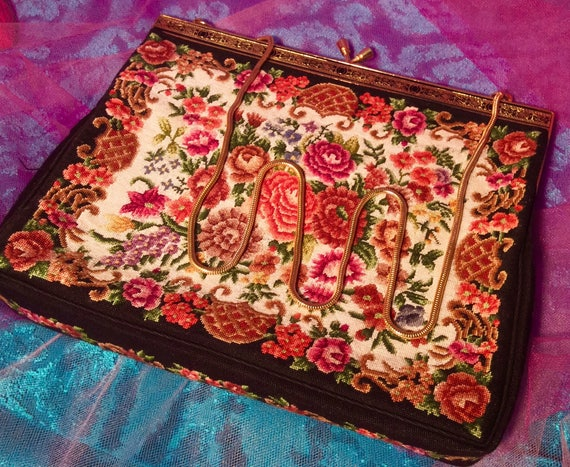 Dramatic Carpet Bag Fabric Purse - image 6