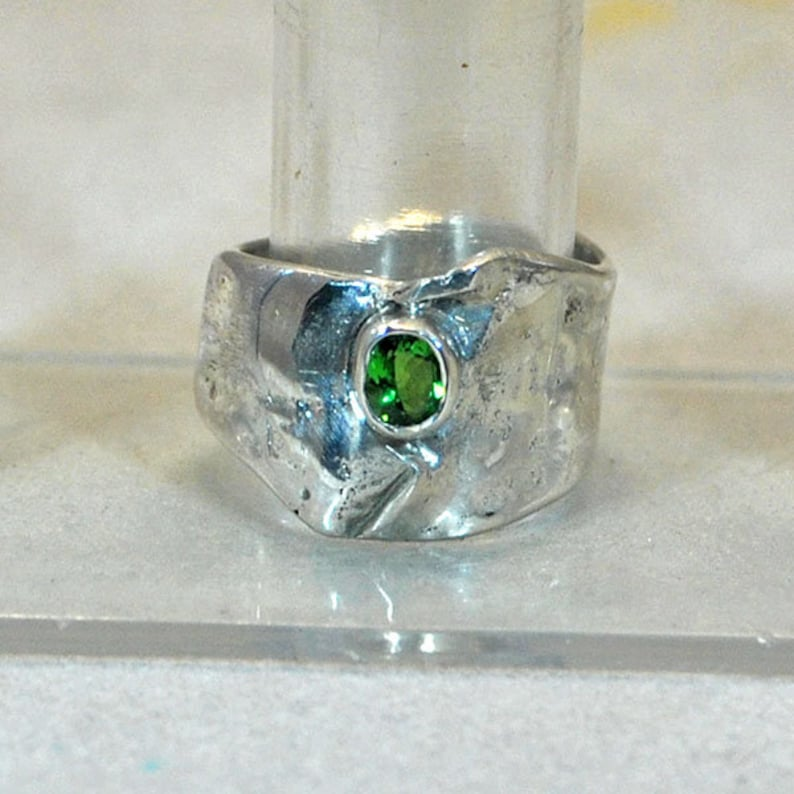 Sterling silver ring with tsavorite setting