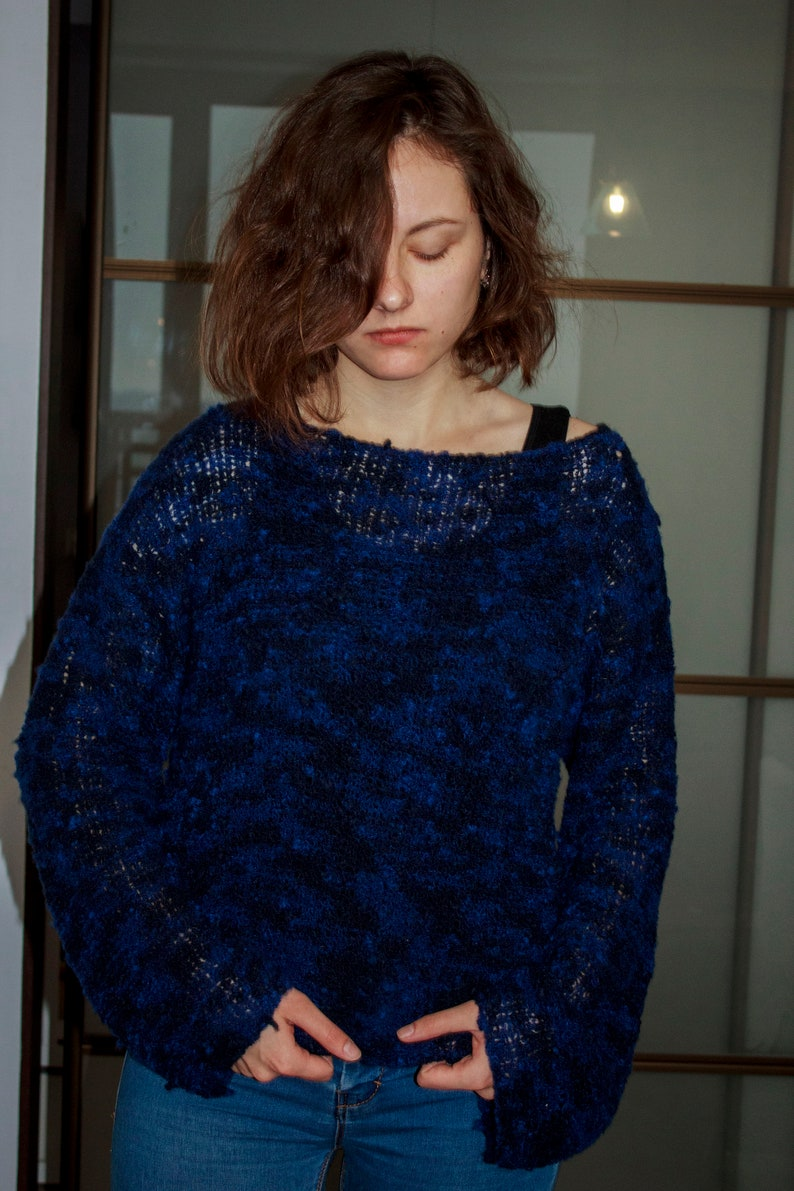 3d215a89044df3 Fuzzy cropped sweater pullover Oversized black blue merino