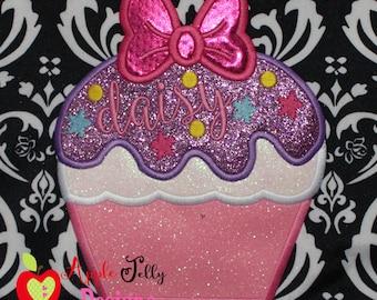 Daisy Cupcake Applique Design