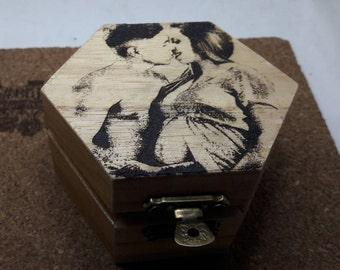 Wooden box, customized-Pirograbada with photo