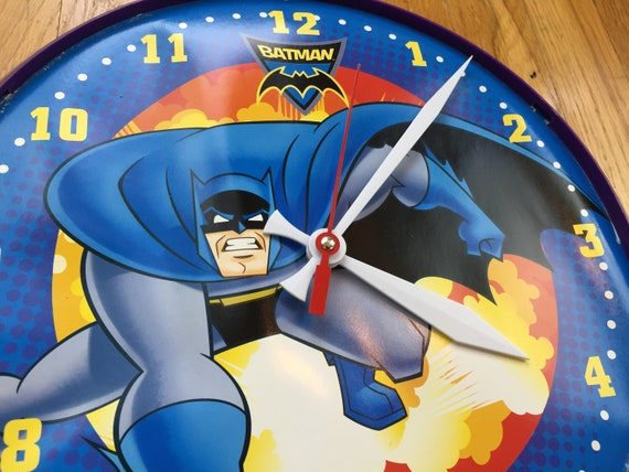 4a562e1d4f5 Vintage Batman wall clock robin gotham battery operated red