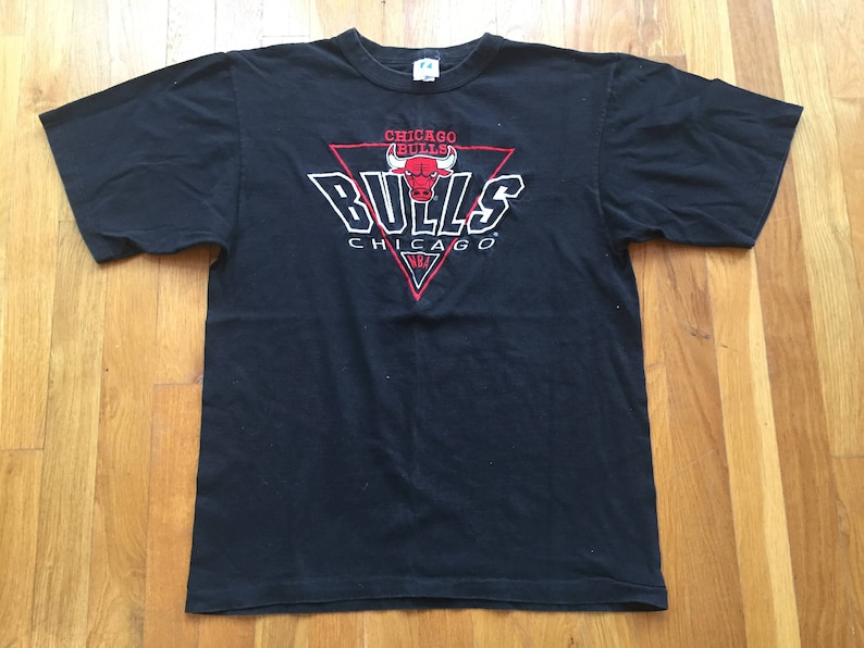 1c89ea5ce96 Vintage Chicago Bulls tshirt size LM nba basketball black