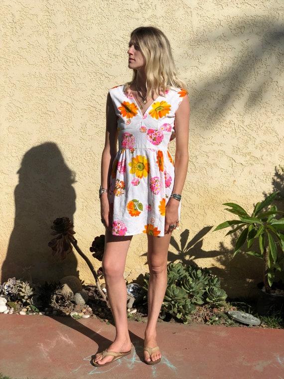 Vintage 1960s Mod flower short dress,1960s 1970s d
