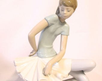 Lladro Girl Ballerina Dancer Porcelain (#882)