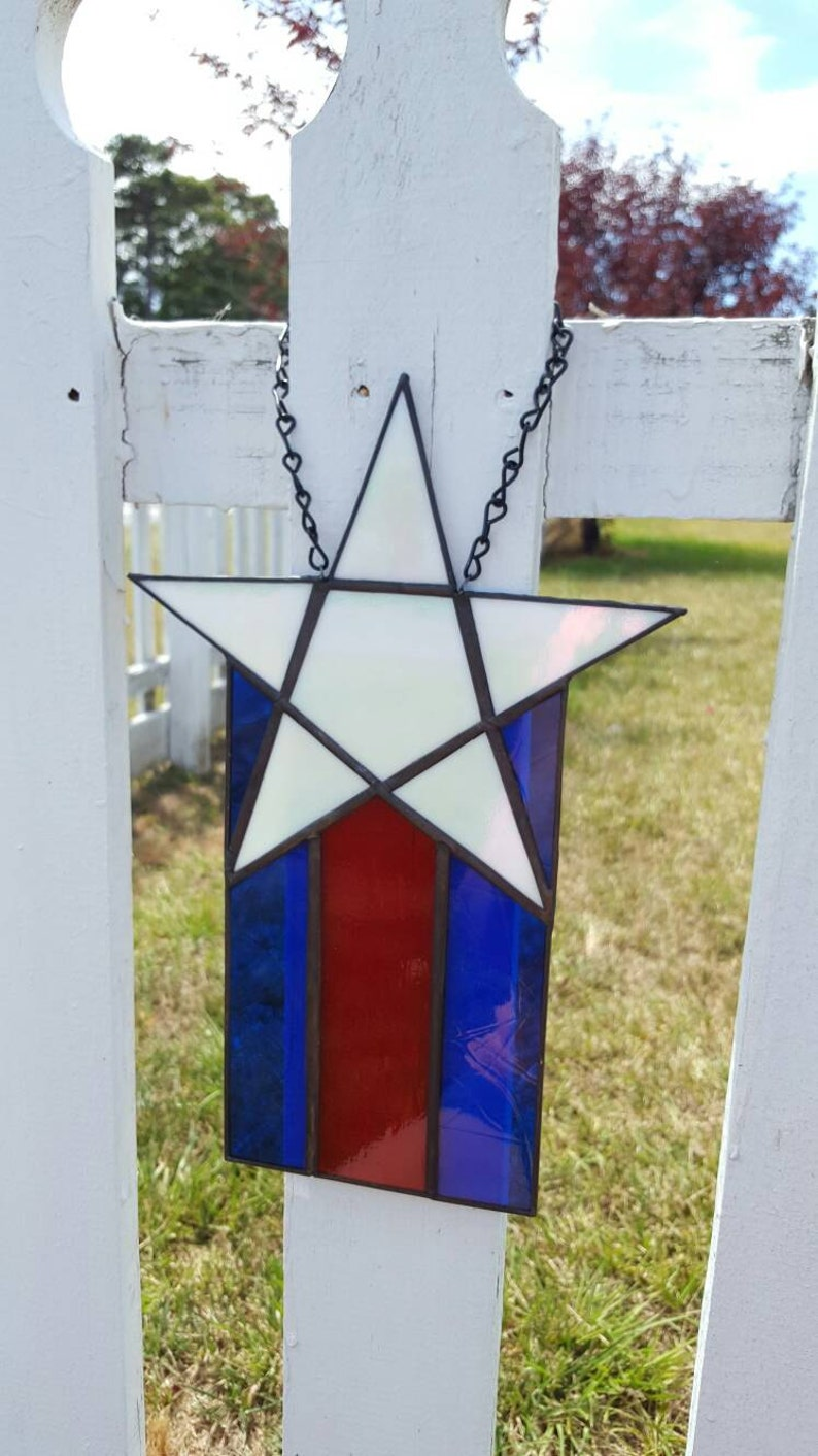 ee56f0771371 Patriotic star stained glass suncatcher July 4th Independence