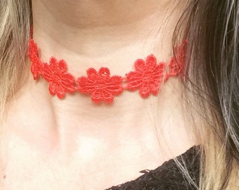 Red hippie boho flower choker, festival choker, holiday accessories, red choker, flower choker, flower jewelry, festival jewlery
