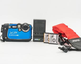 FujiFilm FinePix XP200 16MP & 5X Optical Zoom Underwater Camera w/spare batteries and Vivitar Red Floating strap. Like NEW! Free Shipping.