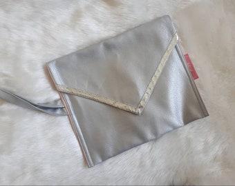 Envelope pockets