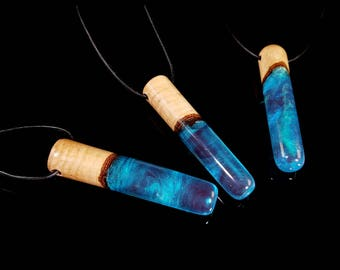 Iridescent Blue Rod Pendant, unisex resin and wood necklace.