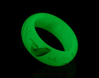 Glowing Ring, glow in the dark mica resin ring, glowing resin ring green glowing ring resin jewelry handmade ring fashion rings rave