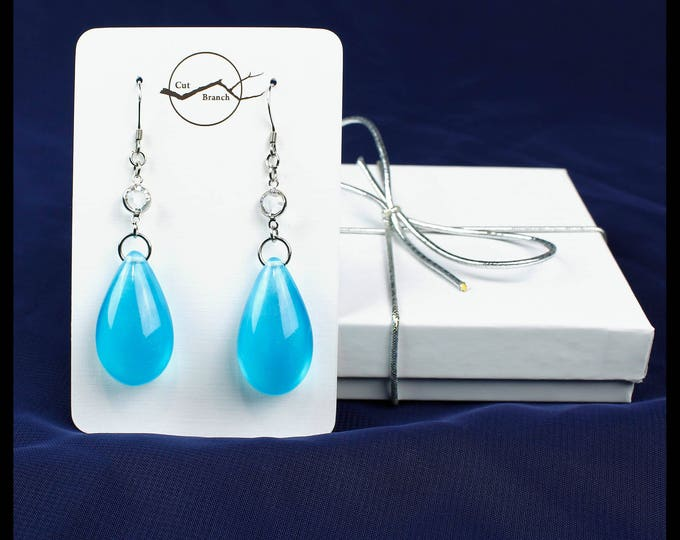 Blue Ocean teardrop dangle earrings, handmade resin earrings.