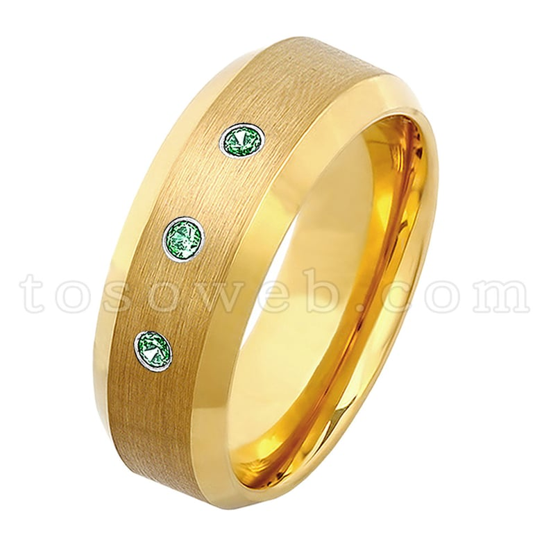 Men/'s Emerald Solitaire Wedding Band 8mm Yellow Gold Plated Beveled Edge Tungsten Carbide Ring TS2102 May Birthstone Ring