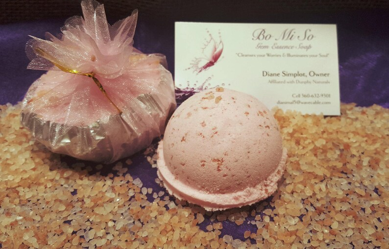 Himalayan Pink Sea Salt & Rose Quartz Fragrance Bath Bomb with image 0