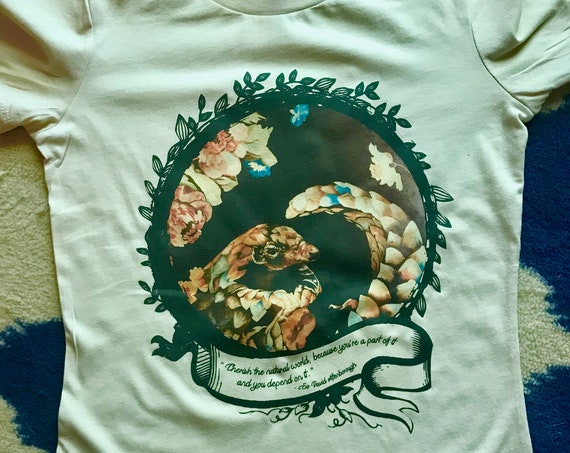 Floral Pangolin with David Attenborough Quote - Men or Women's T-Shirt