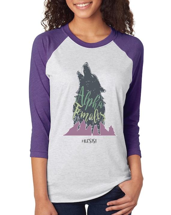 ALPHA FEMALES RESIST - Baseball tshirt