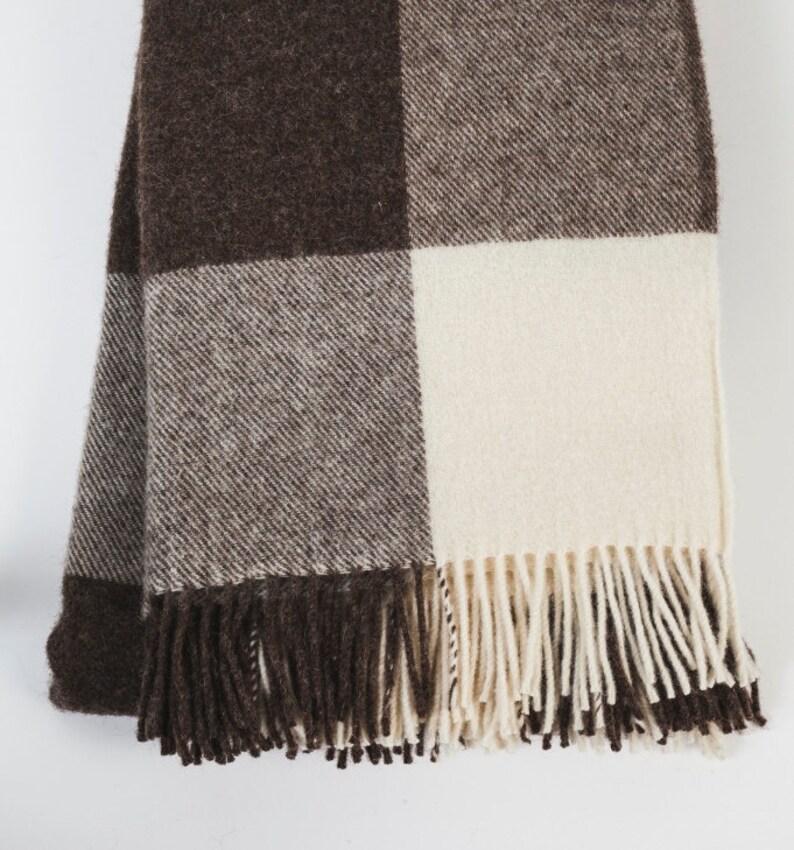 dc632c6049a Bio à carreaux couverture de laine   jeté doudou   monogramme