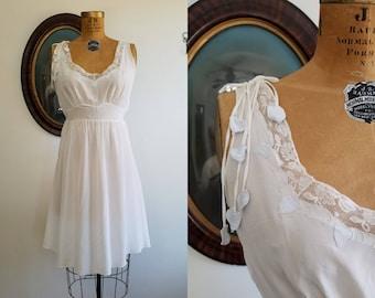 Vintage 1940s Dwalyne slip | 40s rayon sweetheart dress |