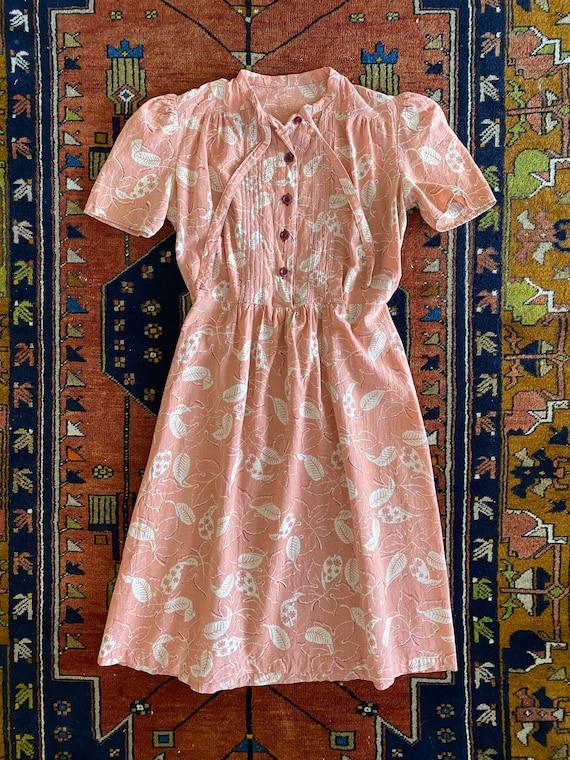 Vintage 1940s cotton puff sleeve summer day dress