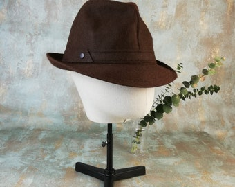 cb8b3f24ec7902 Large size vintage brown trilby hat from 80s made in England by Mr.  Carefree.