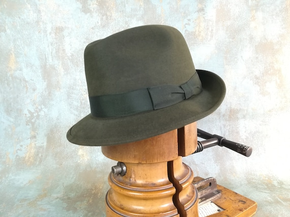 Green vintage fedora. Size 57 cm. US 7 1/8. Hat fr