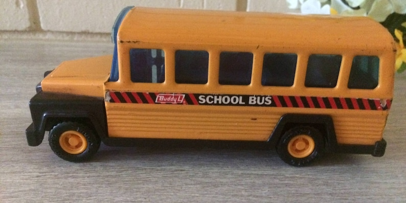 Vintage Buddy Lee Metal School bus, Collectibles, Toys and Games,  Collectable toys, Home and Living,Buddy Lee collectibles