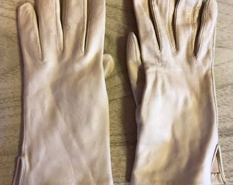 Ladies leather gloves // driving gloves // vintage // Italian leather // pinup style // costume