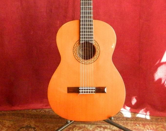 CF Mountain Classical Guitar