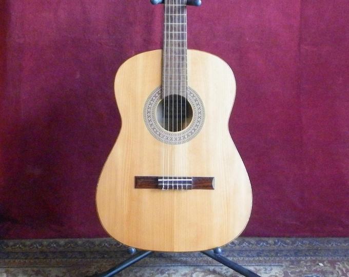 """Framus """"Miranda"""" Classical Guitar."""