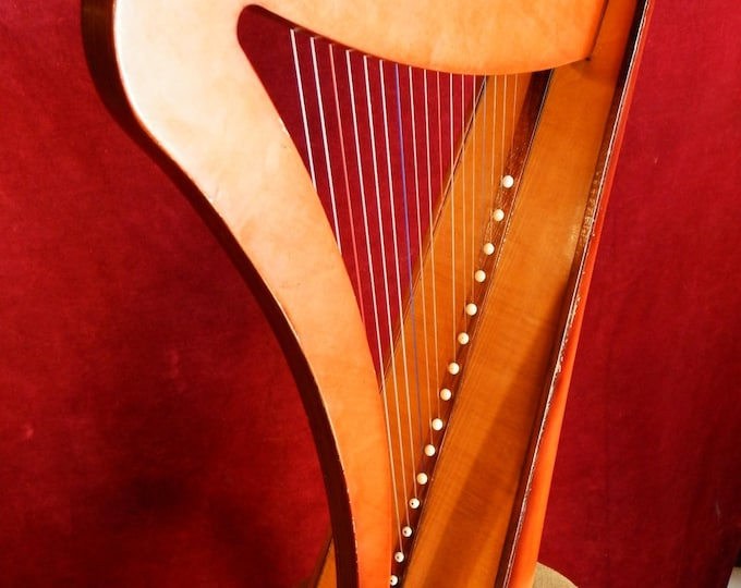17 String Knee Folk Harp