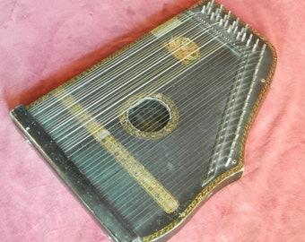 Guitar Zither 1910