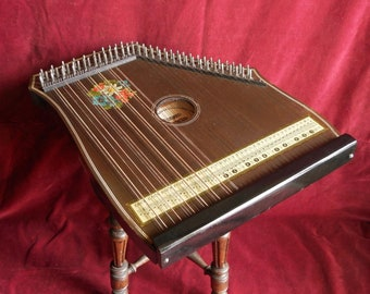 Concert Mandolin Zither, 74 strings.