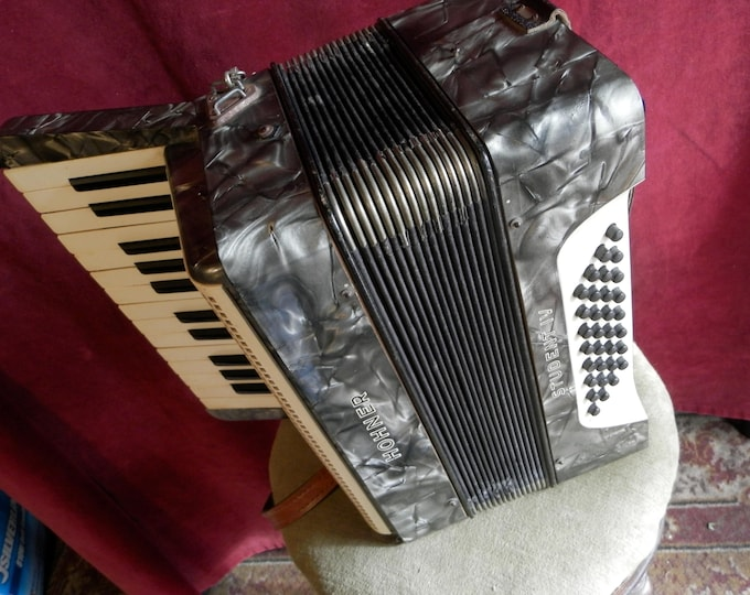 Hohner Student IV Piano Accordeon