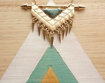 Collier géométrique doré   Bijou triangle effet marbre bleu turquoise   Rock et tendance   Cadeau original pour elle   Pour tous les jours