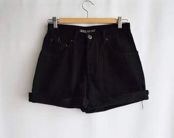 Black Vintage shorts Montero's