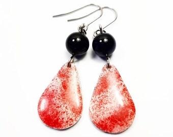 Earrings red drops black pearl