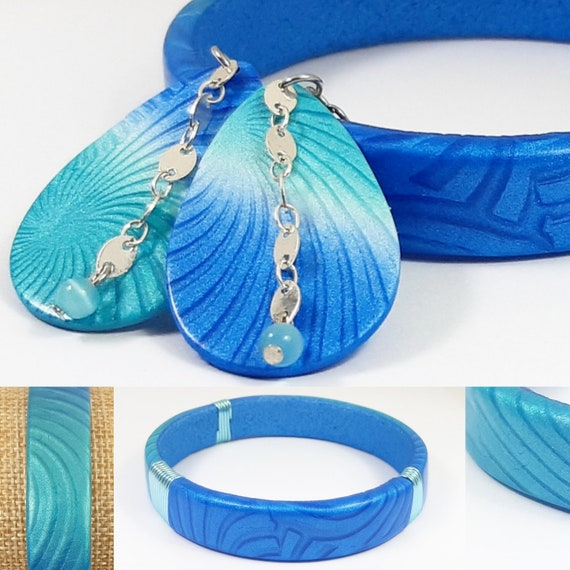 Turquoise satin chic adornment and phtalo blue