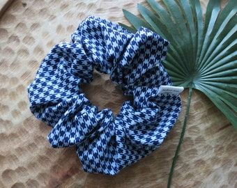 Blue Houndstooth Scrunchie - Clueless Scrunchie - 1990s Scrunchie - Blue Cotton Scrunchie - Clueless Gift