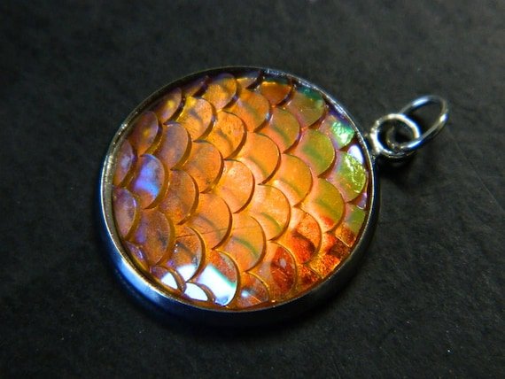 Acrylic Pendants Clearout ** BUY 1 GET 1 FREE ** ONCE GONE GONE