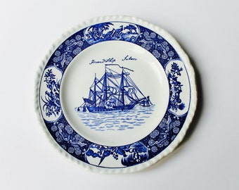 Vintage Wedgwood Friendship Salem decorative blue and white plate.