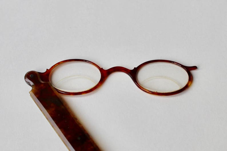 e5864e323f9 Vintage Lorgnette opera glasses. Faux tortoise shell frame