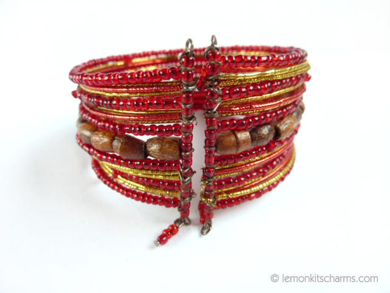 Indian Wooden Memory Wire Vintage Red Wood Beaded Cuff Bracelet Boho Hippie Jewelry 1970s