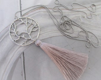 Chain Boho Tree tassel silver light grey