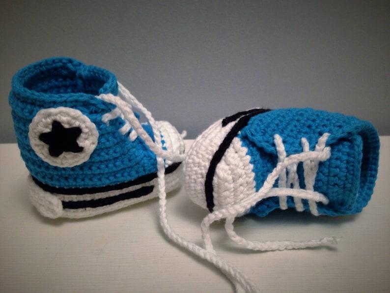 05e79eab30f5 Baby Converse Crochet Baby Booties Crochet Baby Sneakers