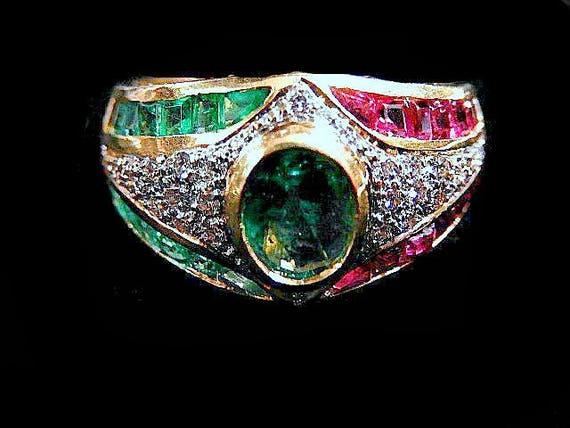 DIAMOND ~ GEMSTONE RING 1166MAG621